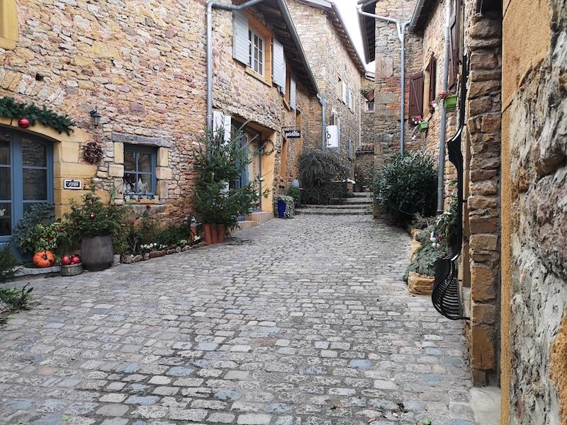 Oingt - un des plus beaux villages autour de Lyon